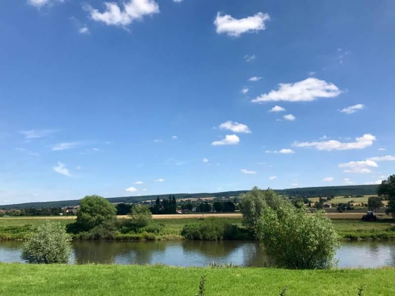 2 Blicke über den Fluss