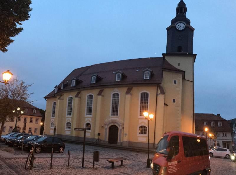 Ilmenauer Kirche am Abend