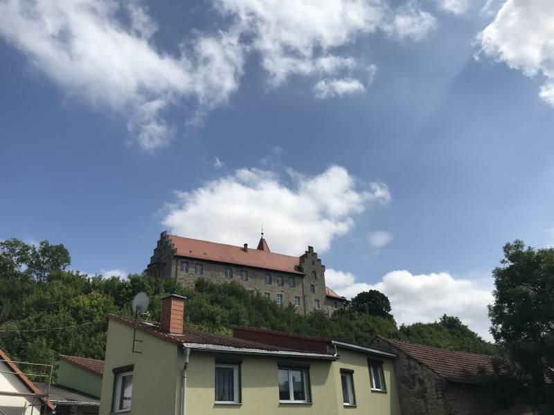 Blick auf das Oberschloss Kranichfeld