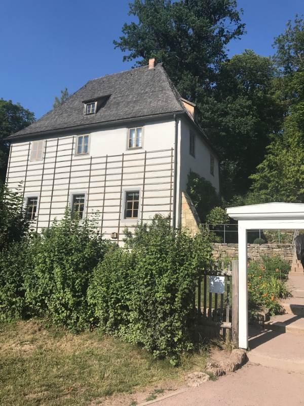 Goethes Gartenhaus im riesigen Park an der Ilm