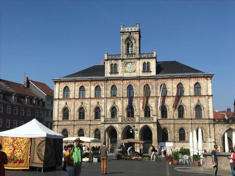 Markttag vor dem Rathaus