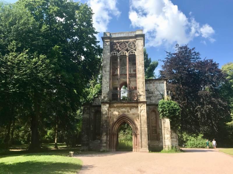 Tempelherrenaus-Ruine im Park an der Ilm
