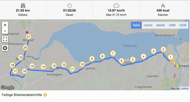 Schöner Weg von Inverness nach Muir of Ord