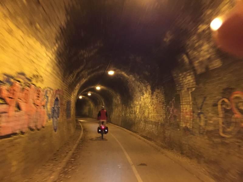 Der Tunnel ist ganz schön lang.