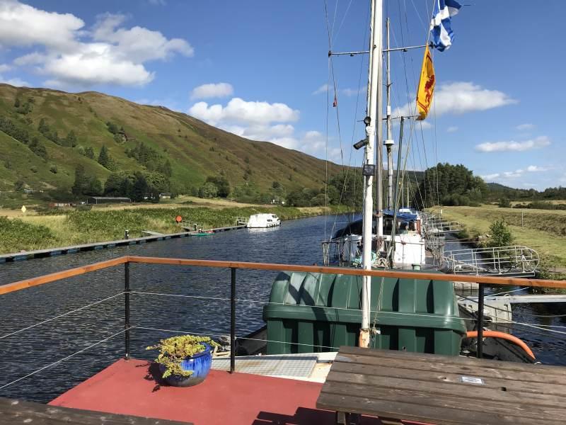 Auf der Eagle Barge an den Laggan Locks