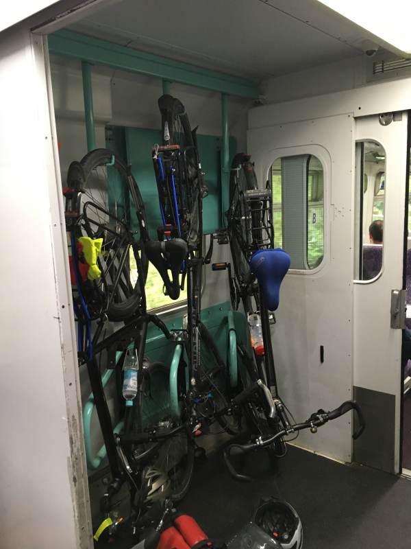 Hier hängen die Fahrräder kopfüber