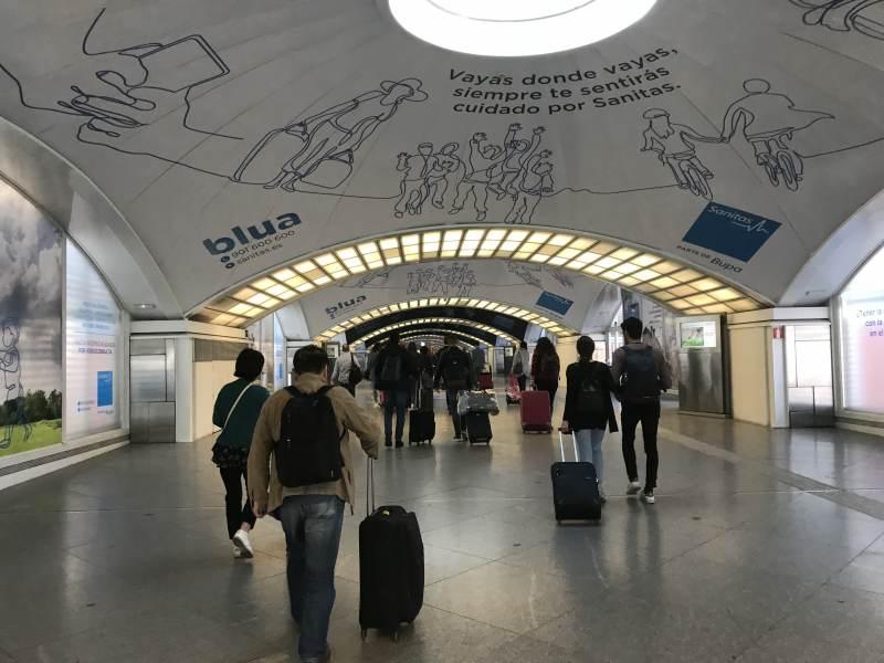 Am Bahnhof Puerta de Atocha in Madrid - alles sehr modern