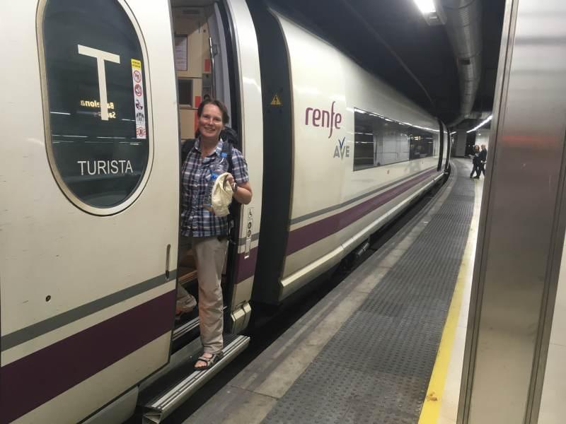Schnellzug nach Madrid am Bahnhof Sants