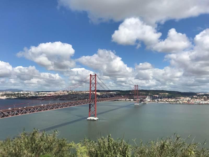 Ponte Vinto e Cinco de Abril (Brücke des 25. April)