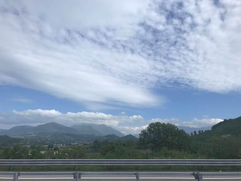 Auch hier oft Berge im Hintergrund