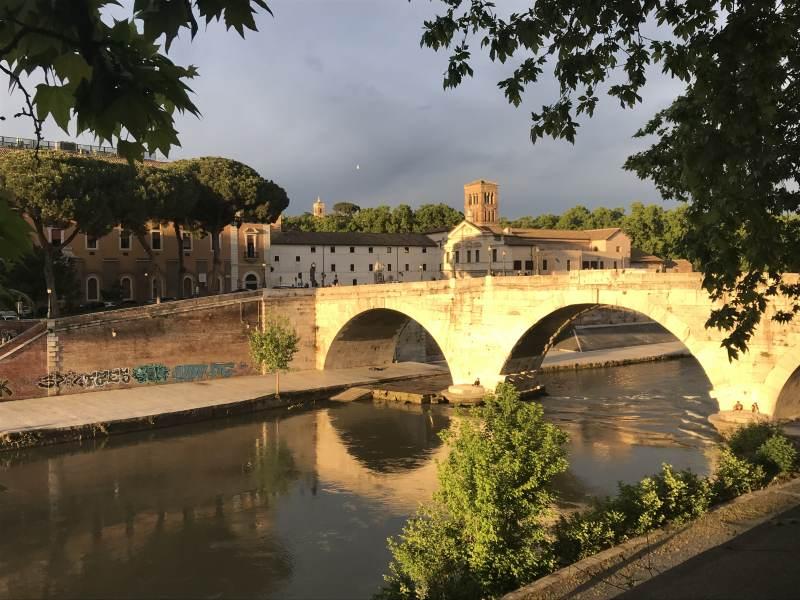 Ponte Fabricio zur Tiberinsel