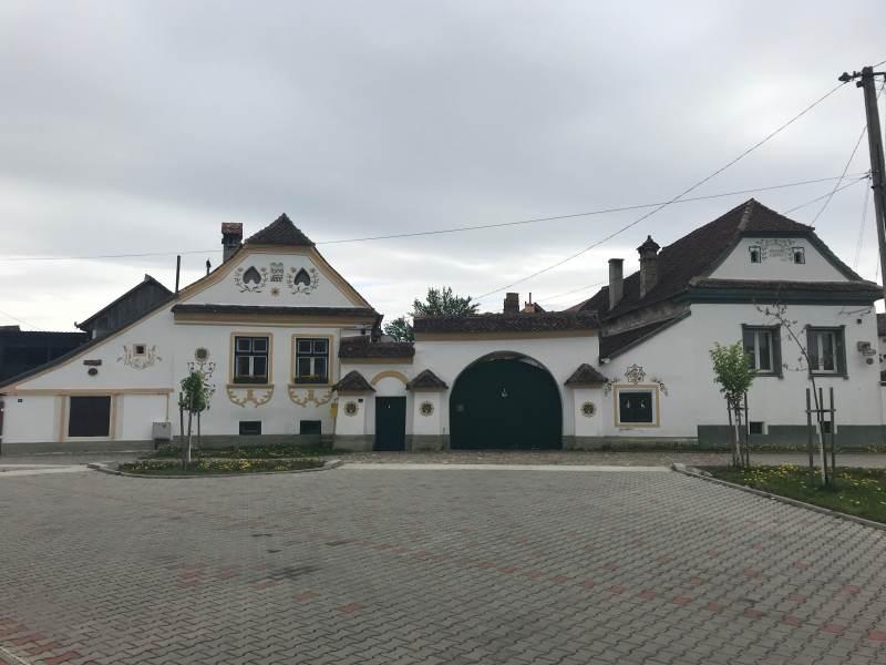 Frisch restaurierte traditionelle Häuser