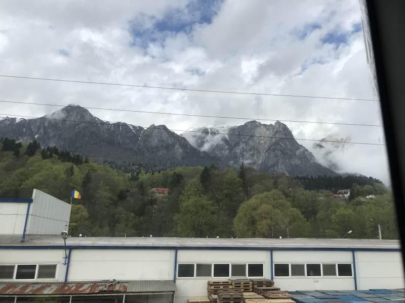 Am Anfang sieht man noch die Ausläufer der Karpaten.