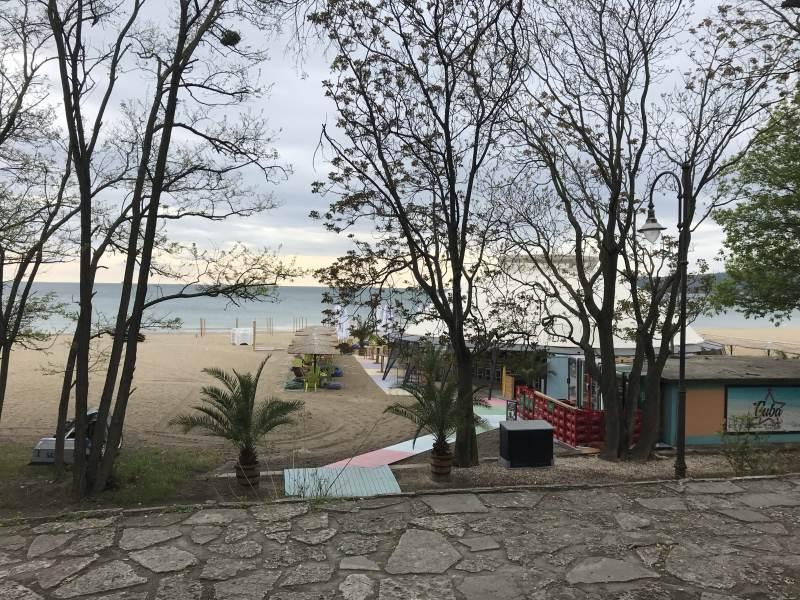 Erste Strandanlagen