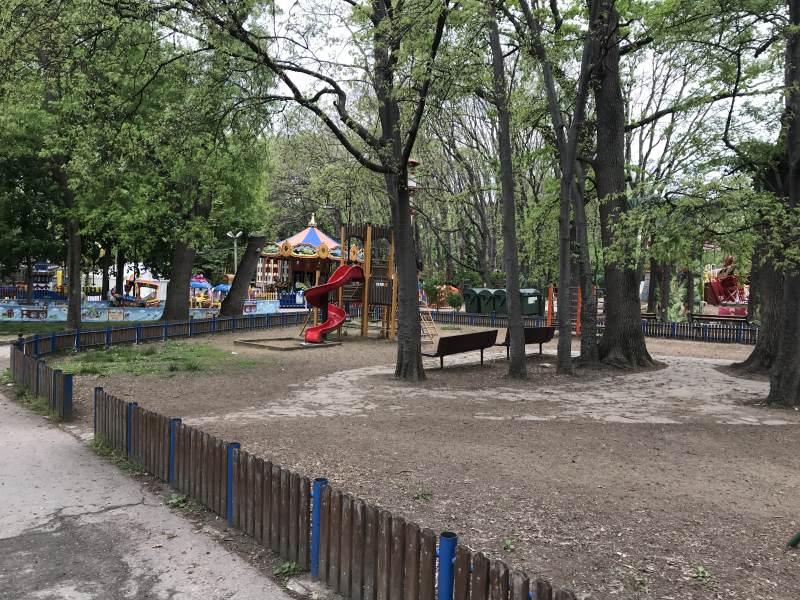 Der Vergnügungspark am Morgen - nicht mehr ganz so geheimnisvoll