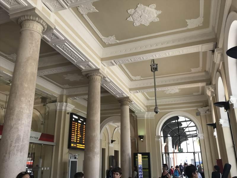 Der Bahnhof von innen – schön restauriert